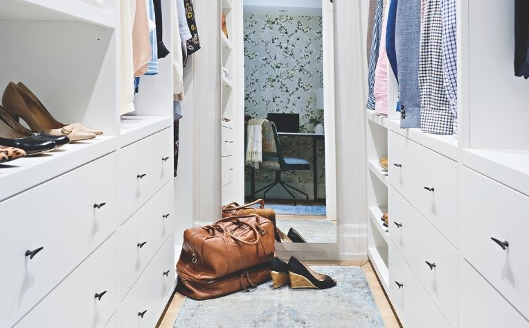 Simple Home Décor White Bedroom Closet